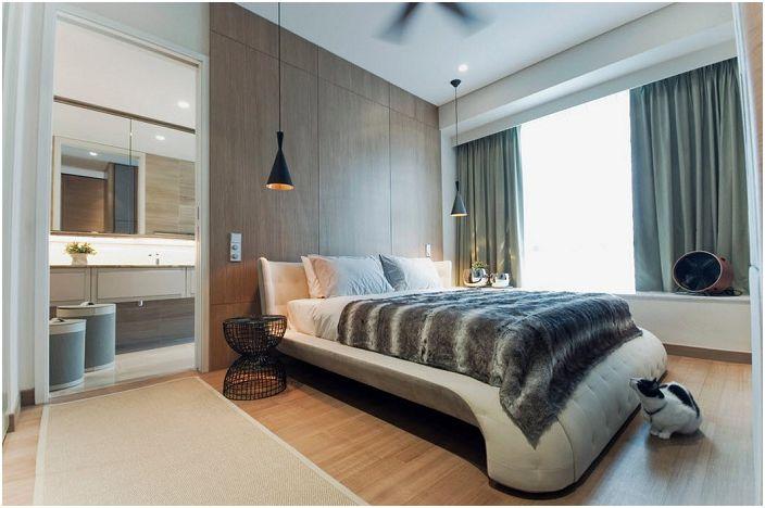 Перфектна украса на място за отдих, с лампи, които създават отлична атмосфера за четене на книги в леглото.