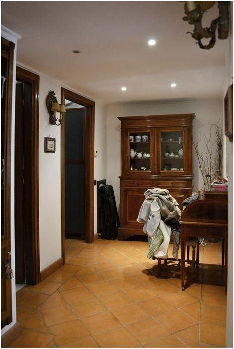Преди обновяването подът беше покрит с традиционни италиански теракотни плочки.