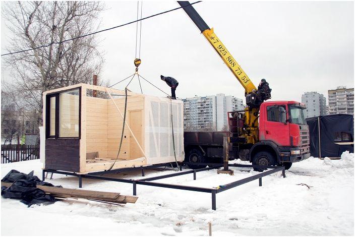Installation d'une maison modulaire.