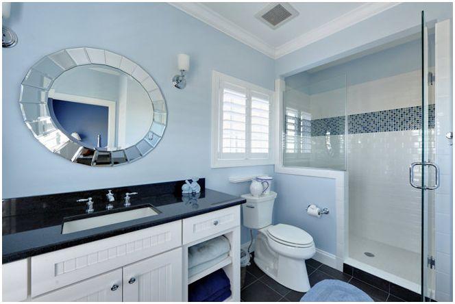Morski nastrój z łazienką w kolorze niebieskim