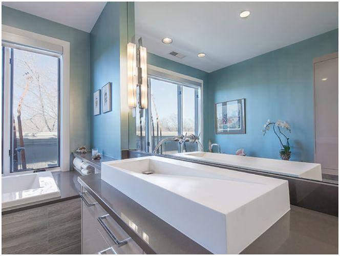 Снимка на синя баня