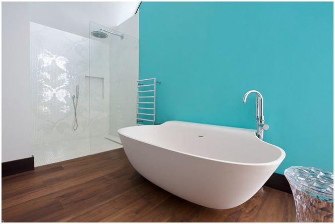 Морско настроение с баня в синьо