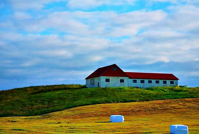 Duży budynek mieszkalny na Islandii.