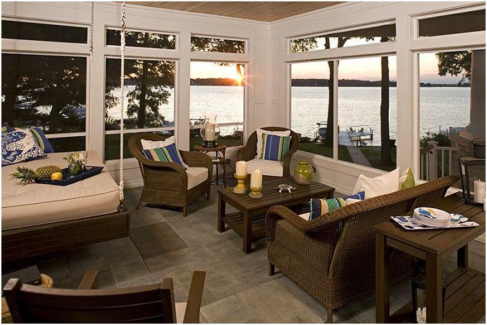 Хороший пример того каким образом подвесная кровать может создать волшебную атмосферу в комнате.
