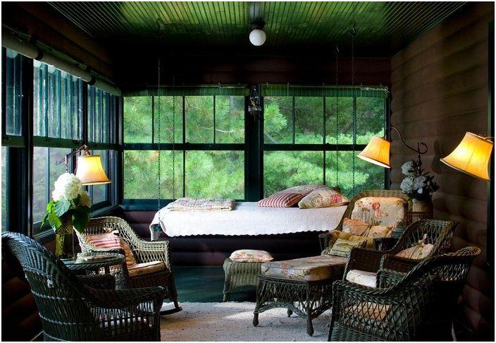 Одно из самых лучших и комфортных мест в доме с подвесной кроватью.