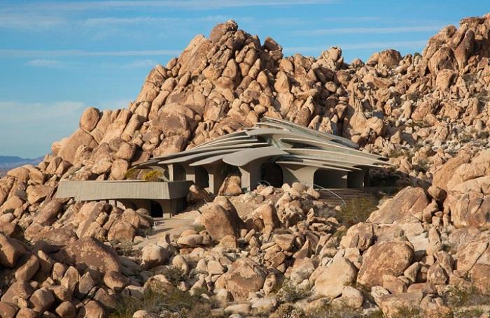 Зашеметяваща резиденция в пустинята Мохаве.