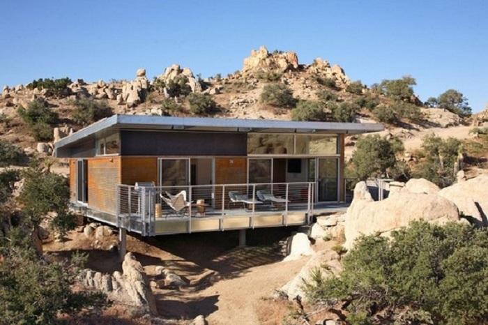Домът BlueSky е енергийно ефективен дом в пустинята Мохаве.