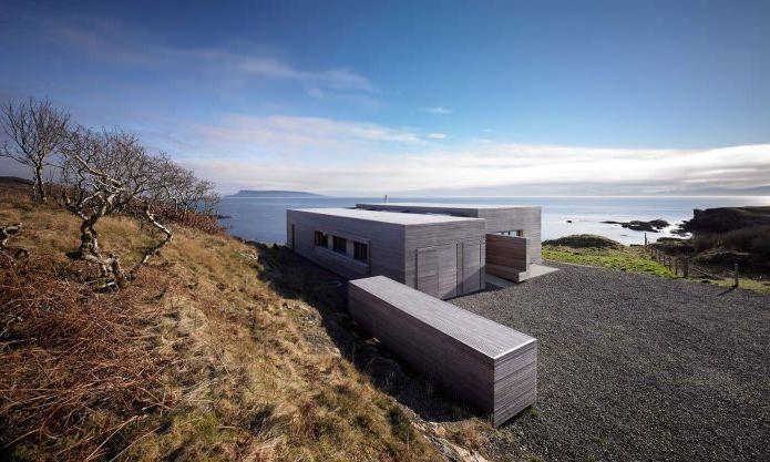 Една история селска къща с плосък покрив в Шотландия
