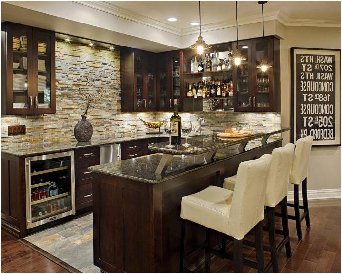 Изкуствен декоративен камък в интериора на кухнята