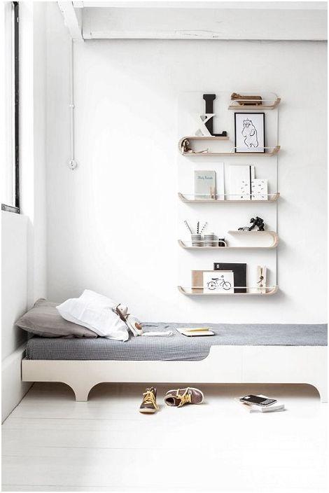 Jó megoldás a hálószoba finoman és világos színekkel díszítésére, amely nyugalmat teremt a légkörben.