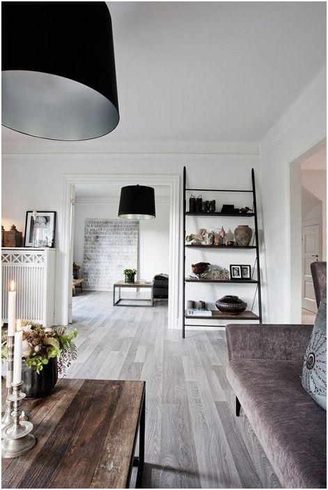 Kiváló lehetőség a világos színű szobák díszítésére nagy ajtókkal, amelyek kibővítik a meglévő teret.