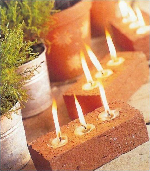 Чудесен вариант за създаване на тухлен свещник е просто решение за вашия дом.