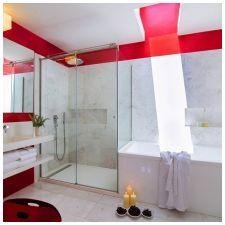 Особенности дизайна ванной в красно-белом цвете-7