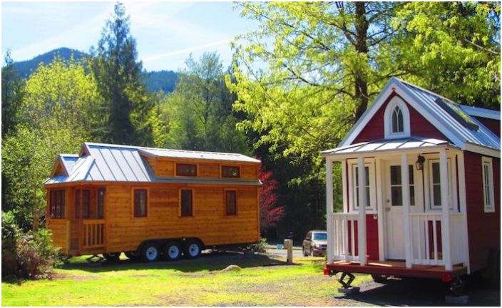 Tiny House Village е село на мобилни къщи.