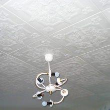 Пяна плочки за тавана: плюсове и минуси, етапи на залепване-10