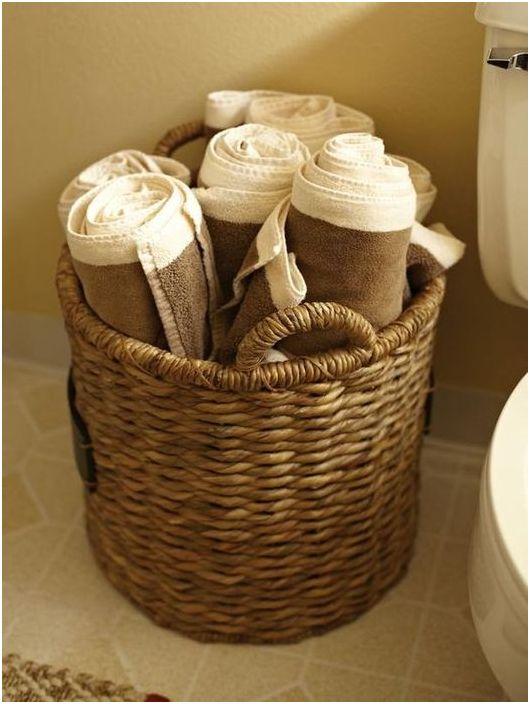 Удобно съхранение в плетена кошница