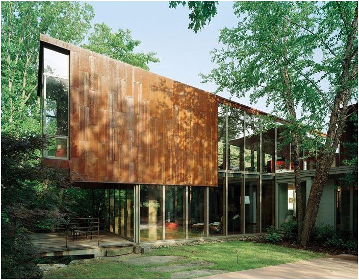 Прекрасный особняк спроектирован архитектором Марлон Блэкуэллом.
