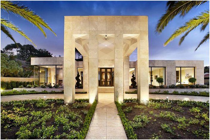 Модерен дом в Калифорния, САЩ.