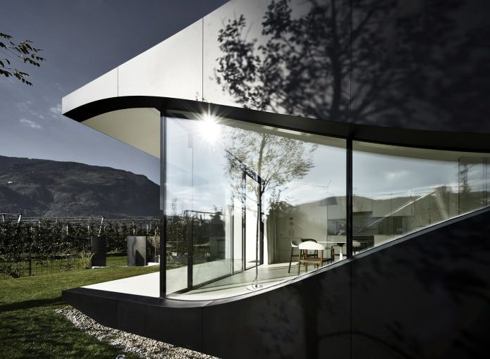 огледална сграда