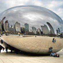 Раствориться в ландшафте: 8 зданий с зеркальными фасадами-1