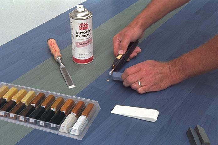 Елиминиране на пукнатини и дефекти по дървените мебели