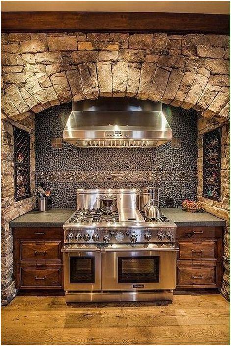 A rusztikus belső térben a barna árnyalatok dominálnak