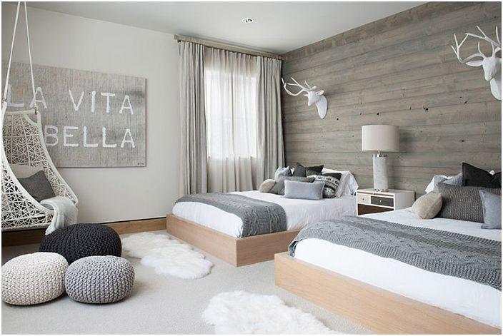 Спалня в сиво и бяло от Reed Design Group