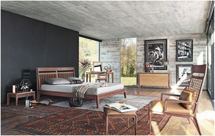 Красив декор за спалня в кафяви, сиви и черни от Roche Bobois.
