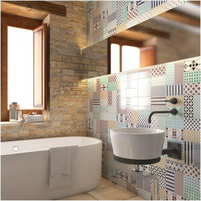 ściany w łazience w stylu patchwork we wnętrzu