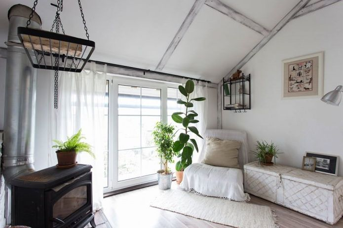 Wnętrze domu w stylu prowansalskim