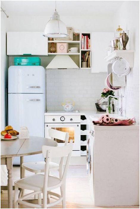 Удобна маса за малка кухня