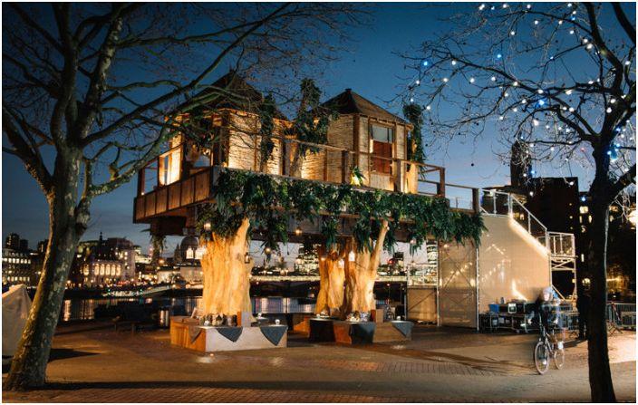 Къщи, проектирани от Хуберт Зандберг.