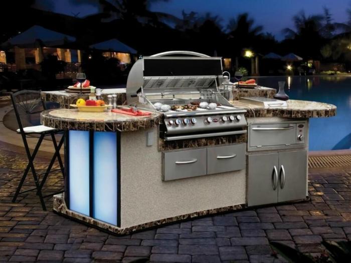 Функциональная летняя кухня.