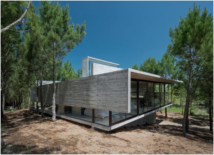 Casa L4 е селска къща в Аржентина.
