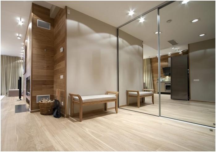 Огледален гардероб