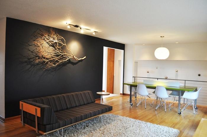 Ветки и прутики возможно очень удачно и выигрышно использовать при оформлении стен комнат.