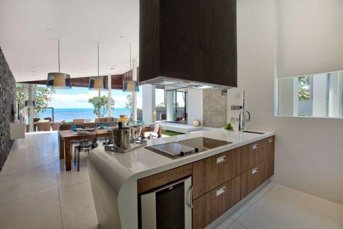 кухня в интериора на вилата