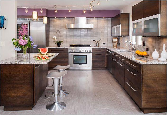 Кухненски интериор от Creative Design Construction, Inc