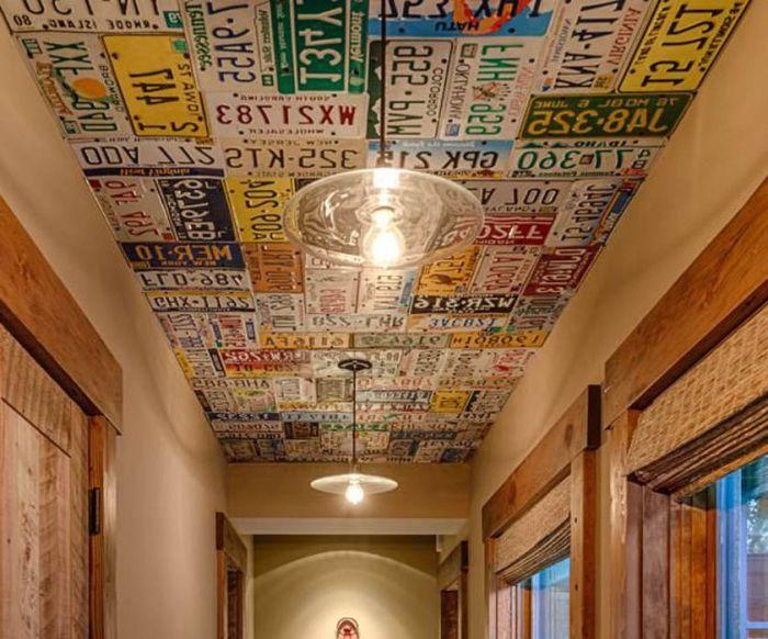 Плочи и табели на тавана.