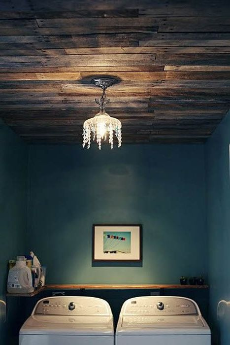 Дървен таван.