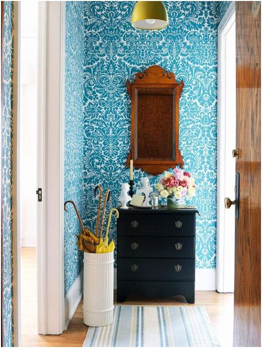 Blått er ideelt for små områder ettersom det visuelt beveger veggene bort