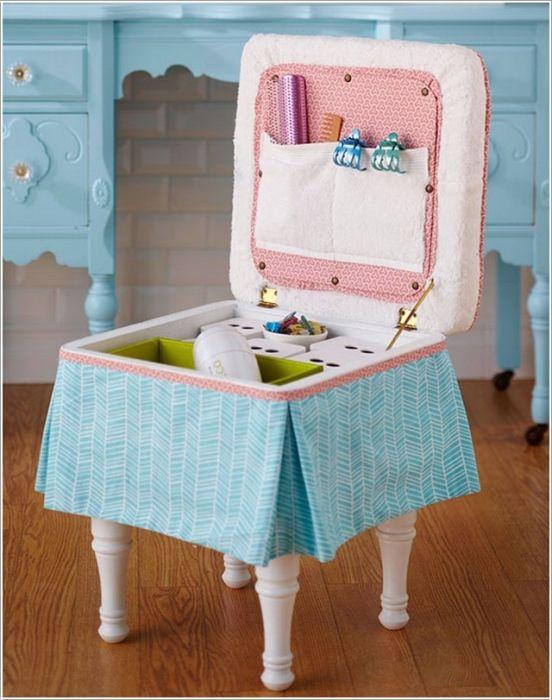 Прикрепете кутията към краката на стола за прекрасен скрин за съхранение.