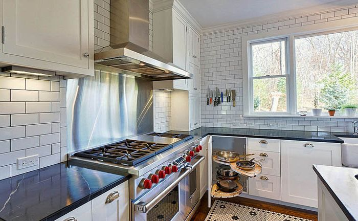 Выдвижные полки для кастрюль и сковородок