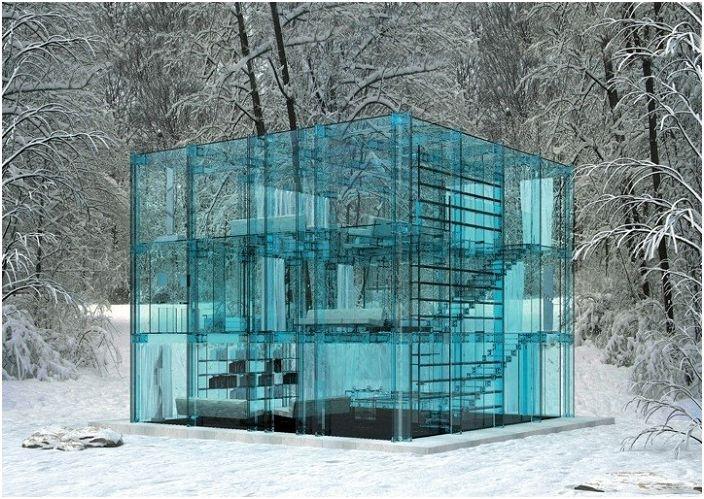 Snow House е къща от прозрачно стъкло.