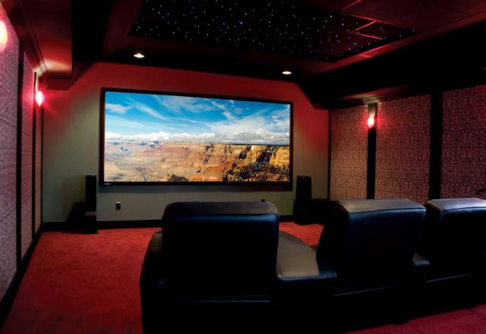 Страхотни идеи за декориране на мазета. Кино в мазето на къщата.