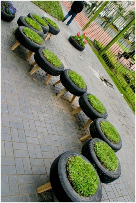 Цветни лехи от гуми.