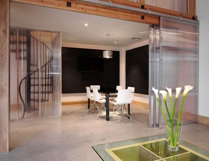 Две комнаты, которые могут легко стать одним целым.