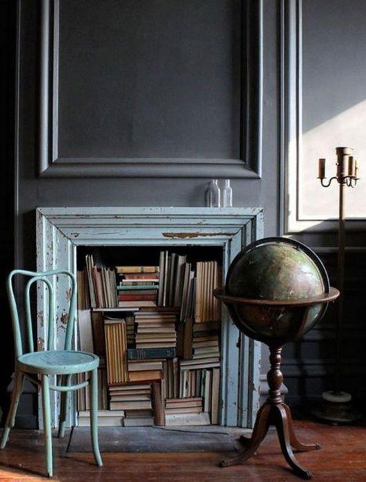 Oryginalny sposób na wymianę zwykłej półki na książki.