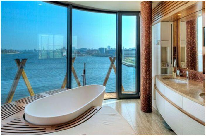 Гледка от прозореца в банята в Германия