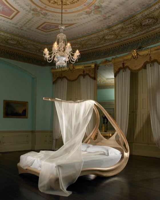 Hieman futuristinen, muodonsa ansiosta, sänky. Niille, jotka haluavat tuntea olonsa erityiseksi jopa unessa.